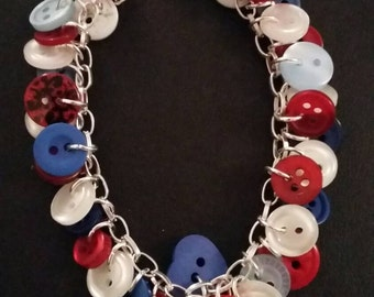 Red, blue and mother of pearl button bracelet