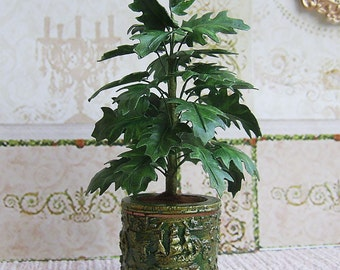 Philodendron  in a pot. Miniature philodendron. Realistic plant for your Dollhouse. 1:12 Scale