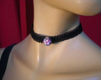 Choker Black Lace and rhinestone jewel button