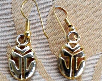Pretty Vintage Gold tone Dangle Pierced Earrings (AQ3)