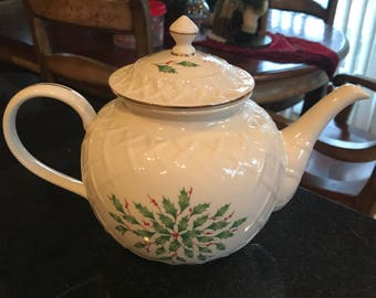 Lenox Holiday Carved Teapot