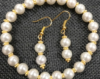 White Pearl Stretch Bracelet with matching earrings