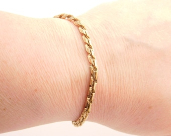 10K Yellow Gold Design Bracelet 8 Inches
