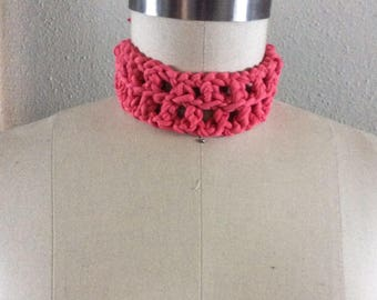 Crochet choker w/ detachable flower
