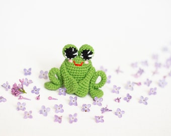 Crochet Frog Baby Toy, Amigurumi ,Crochet stuffed toy, Frog Plushie, green frog , baby shower gift