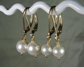 Bridesmaid Earrings Gold Pearl Earrings Set of 3 Pearl Bridesmaid Jewelry Bridesmaid Gift Bridal Party Jewelry Wedding Jewelry