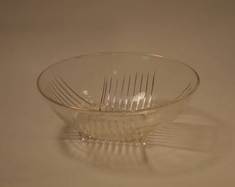 """Large Berry Bowl, 8"""", clear Park Avenue design by Federal Glass"""