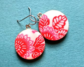Flower earrings, flower jewelry, floral earrings, floral jewelry, boho earrings, boho jewelry, Japanese paper earrings, chiyogami