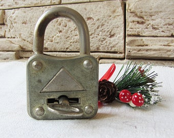 Vintage padlock with key,Old rusty padlock,Cottage chick,Rustic home decor,Collectible padlock,Industrial,Antique locked,Silver