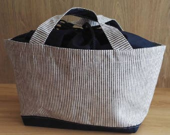 Tote bag with tie closure