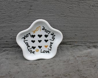 "Bowl, porcelain flower bowl, with ""Love"" lettering, love message, sayings, love"