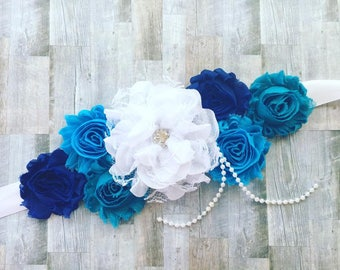 Blue maternity sash, boy maternity sash, blue and white maternity sash, mom to be maternity sash for baby shower blue