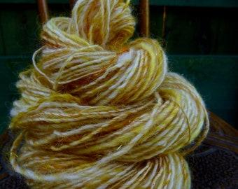 Handspun Yarn, Handspun art yarn, Hand Painted Yarn, Thick & Thin Yarn, WELSH GOLD