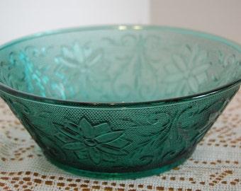 Vintage Bowl,  Vegetable Bowl, Salad Bowl, Green Spruce Sandwich, Piandwich, Tiara Glassware