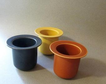 Set of 3 stylish Höganas Keramik jars/bowls (250 ml). Mustard, blue + beige. Scandinavian design, made in Sweden