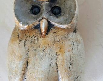 Pottery owl by pets corner wildlife studio nothumberland.