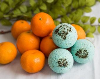 Bath Bomb // Focus Blend // Lemon, Orange & Spearmint // Blue // Mint tea topping // Aromatherapy and essential oils