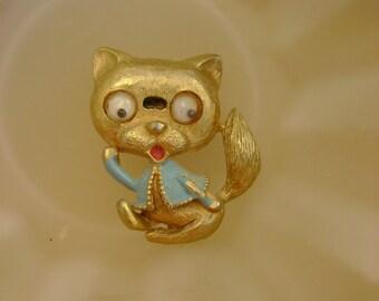 Cute Vintage Googly Eyed Cat or Raccoon Brooch Pin