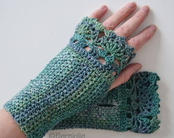 Green blue crochet gloves with lace trim, R614
