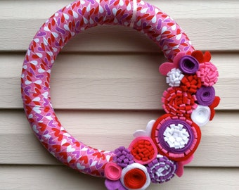 Valentine's Day Wreath - Heart Fabric Wreath decorated w/ felt flowers. Valentine Wreath - Valentine Day Decoration - Heart Wreath