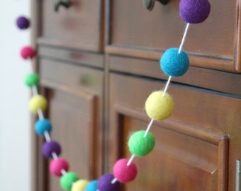 Easter Felt Ball Garland, Bright Easter Garland, Pom Pom Garland, Banner, Party Decor, Mantel Decoration