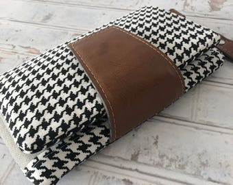 Black and White / Leather Wristlet / Vegan Leather Wallet / Clutch Wallet with Strap / Clutch / Clutch Wallet / Handmade Wallet / Wallet