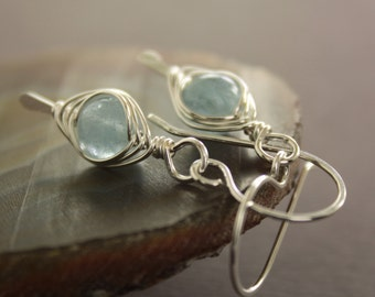 Sterling silver earrings with pale blue aquamarine stones, Aquamarine earrings - Dangle earrings - Gemstone earrings - ER002