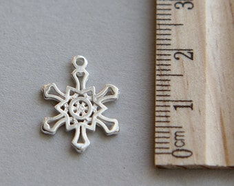 SALE, 925 Sterling Silver Charm, Snow flake Charm, Snowflake Charm, Sterling Silver Christmas Snowflake, Snow Charm, 16 x 18mm ( 1 piece )