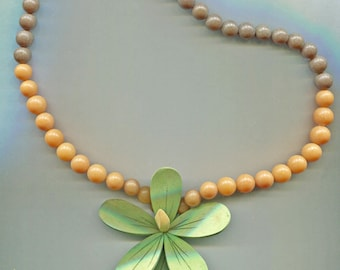 Wooden Green Flower and Bead Necklace