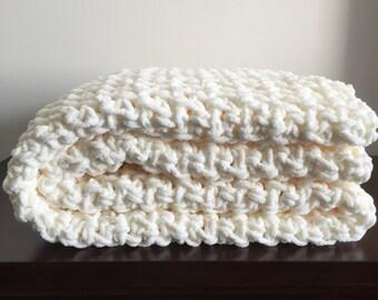 Chunky Crochet Blanket in Fisherman Cream Chenille