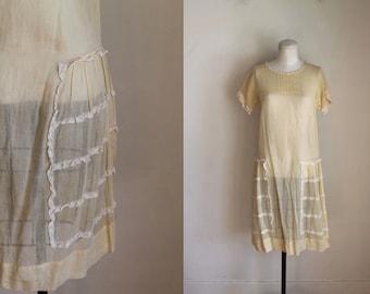 vintage 1920s dress - LEMON CHIFFON yellow cotton day dress / XS