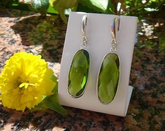 925 Silver earrings with Peridot quartz!