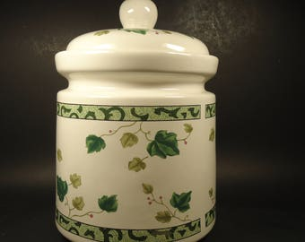 Ivy green pattern large cookie jar with lid, Hausen ware