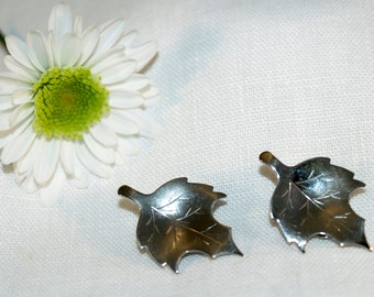 Vintage 1970's Silver Tone Signed Bergere Maple Leaf Clip On Earrings, FREE SHIP