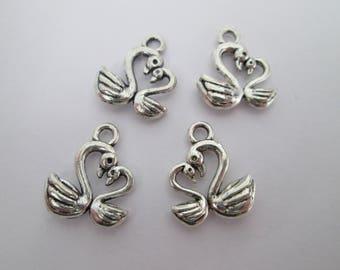 4 breloque cygne couple 15 x 12 mm en métal argenté