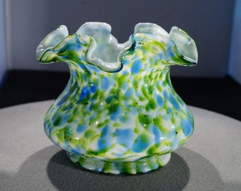 Vintage 1965 Fenton Vase Collectable Swirled Spatter Design Art Glass Ruffled Edge MINT