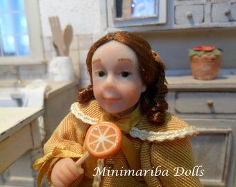 Minimariba Dolls - Little girl with lollipop