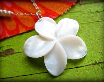Retirement Gift - Medium White Plumeria Flower Necklace - Shell - Hawaii Maui Kauai Oahu - Girlfriend Best Friend Co worker
