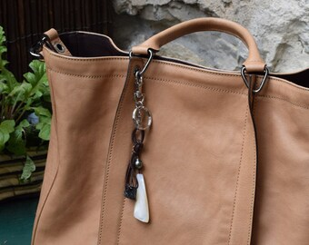 Keychain or leather bag charm with mother of pearl and Tahitian pearl