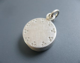 Mabotte Locket for one picture, Sterling silver, diameter 14mm, 3mm high, design little dots