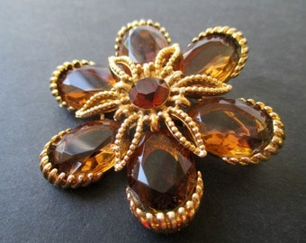 Flower Pin * AMBER Color * Classic Vintage Brooch