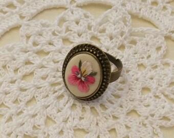 VP7 Vintage pansy ring
