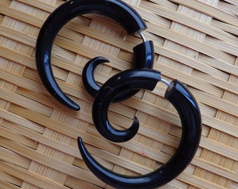 Fake Gauges - TRIPPI - Medium Spiral Earrings - Hand Carved Natural Black Horn - Tribal Style Design