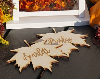 Maple leaves Place cards Thanksgiving place cards Laser Cut leaves wooden maple leafs place cards Thanksgiving table decoration Thanksgiving