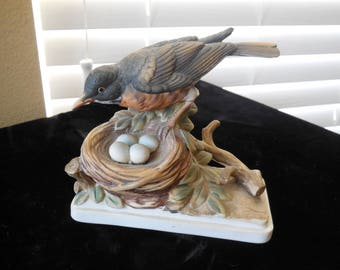 Robin with her nest of eggs Lefton figurine KW864