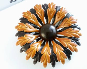57mm Vintage orange enamel pin, Vintage brooch, vintage pin, orange flower pin, enamel flower pin, flower brooch, enamel pin, orange pin,