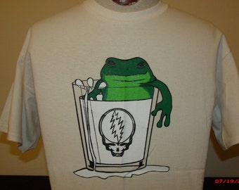 """Keller Williams Shirt. ,A frog in a glass of milk , the back says """"Keller Williams is more fun than a frog in a glass of milk"""" Bob Weir"""