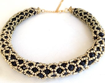 Black beads necklace, Gold beads necklace, Beadwork necklace, Tube necklace, Black and gold, Elegant necklace, Delicate necklace, Netted