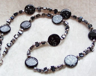 Black Necklace, Gray Necklace, Mother of Pearl Necklace, Gray Silver Freshwater Pearl Necklace, Jet Black Mother of Pearl Chips