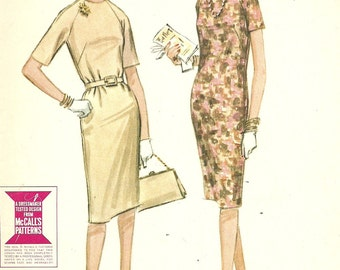 Vintage 60s Sewing Pattern / McCalls 6805 / Dress / Size 14 Bust 34